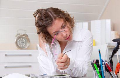Vergütung von Überstunden: Regelung im Arbeitsvertrag oft unwirksam