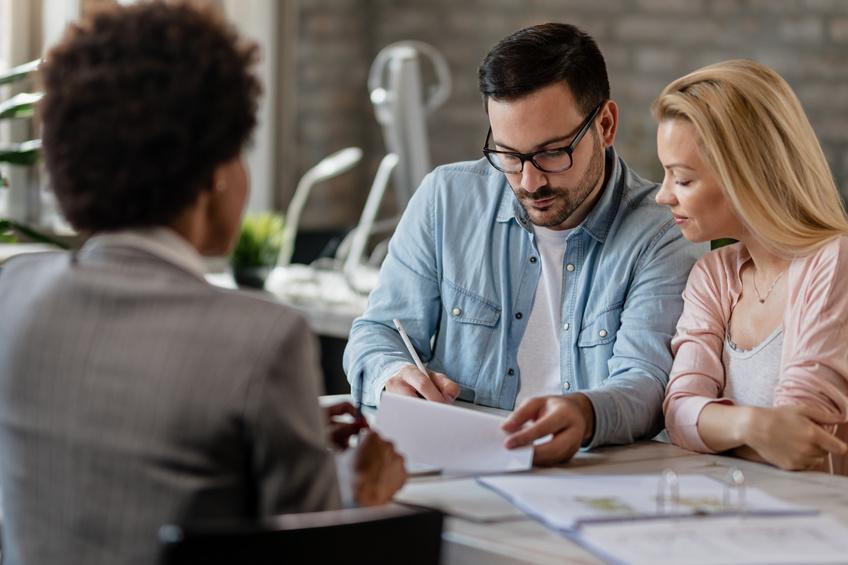 Wer bekommt die Lebensversicherung – geschiedener oder neuer Ehepartner?