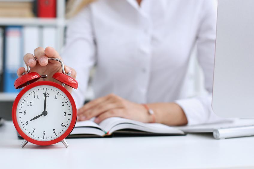 Welche maximale Arbeitszeit pro Tag/Woche steht im Gesetz?